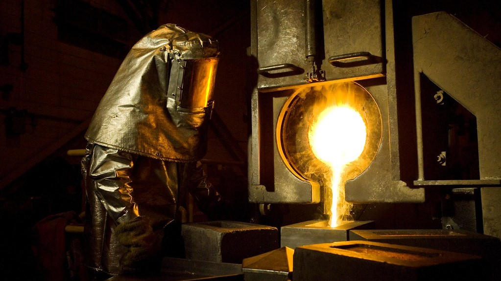 """Gold price climbs again after Citi says record is """"matter of time"""" – MINING.com"""